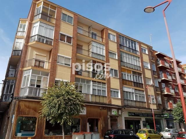 Piso en venta en calle del Arca Real, nº 26, Las Delicias (Valladolid Capital) por 60.489 €