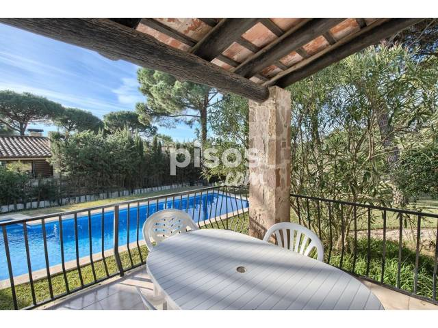 Casa en venta en calle Isabel de Villena, nº 18, Begur por 475.000 €