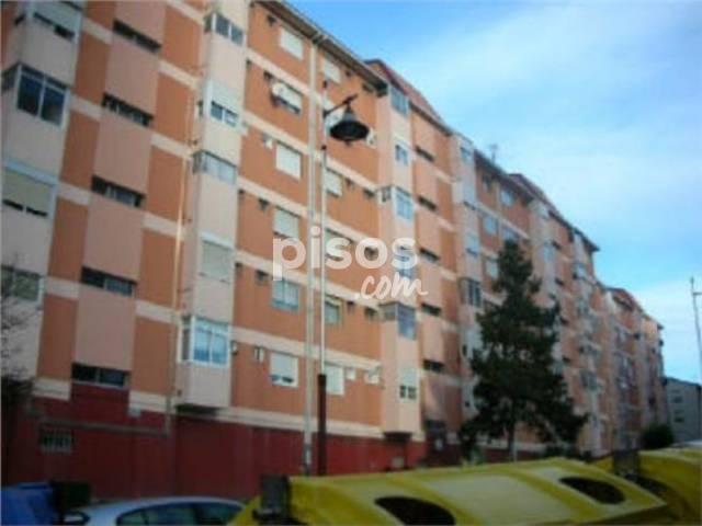 Piso en venta en calle Villagarcia de Arosa, Coia (Distrito Casco Urbano. Vigo) por 77.800 €