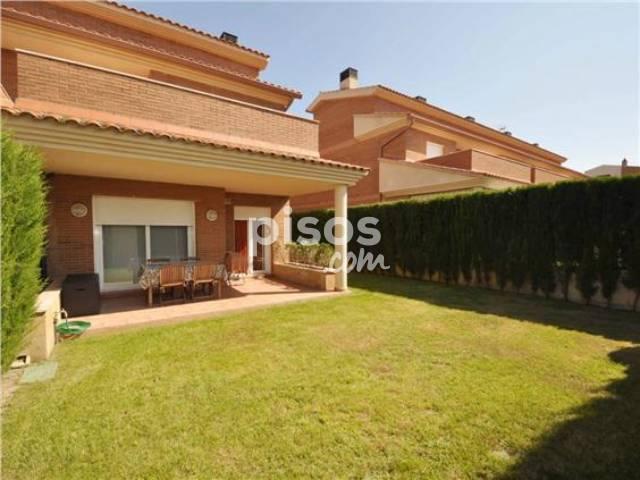 Casa pareada en venta en calle Serra Llaveria, Vilafortuny-Cap de Sant Pere (Cambrils) por 287.000 €