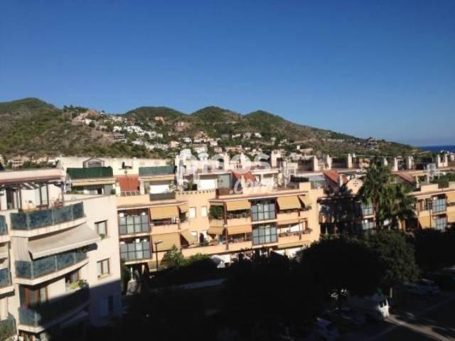 Apartamento en venta en Sitges - Sitges Ciudad, Els Molins-Poble Sec-Pins Vens (Sitges) por 375.000 €
