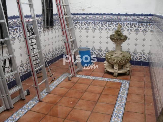 Casa en venta en María Auxiliadora, María Auxiliadora-Valdepasillas-Huerta Rosales (Badajoz Capital) por 125.000 €