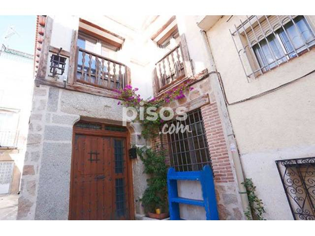 Chalet en venta en calle Curato en Cebreros -, El Tiemblo por 159.777 €