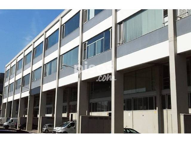 Nave industrial en venta en Plaza Xarol-, Bufalà-Morera-Pomar-Les Guixeres (Badalona) por 311.496 €
