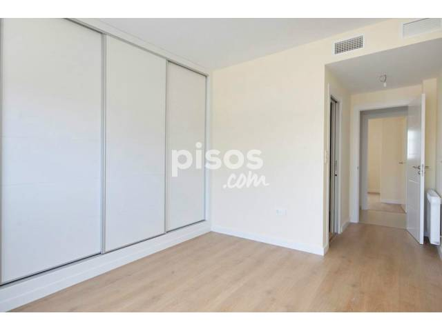 Piso en venta en calle Arabial (Frente A Hipercor), nº 96, Camino de Ronda (Distrito Ronda. Granada Capital) por 229.000 €