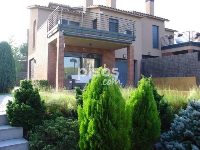 Casa adosada en venta en calle Oms, nº 13, Santa Agnès de Malanyanes (La Roca del Vallès) por 332.000 €