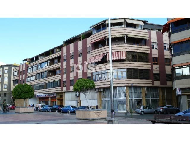 Garaje en alquiler en calle leopoldo matos n 20 en for Alquiler pisos alcaravaneras