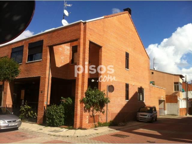 Chalet adosado en venta en calle guaran es n 42 en las for Pisos covaresa valladolid