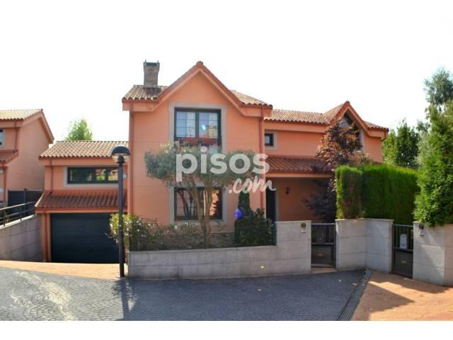 Chalet en venta en Pena- Picota- Estorrentada, Cambre (Santa Maria) por 356.000 €
