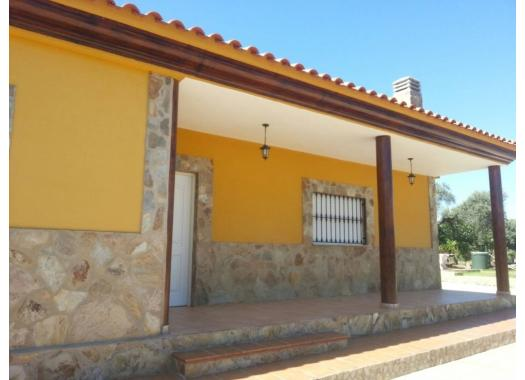 Chalet en alquiler en  Badajoz
