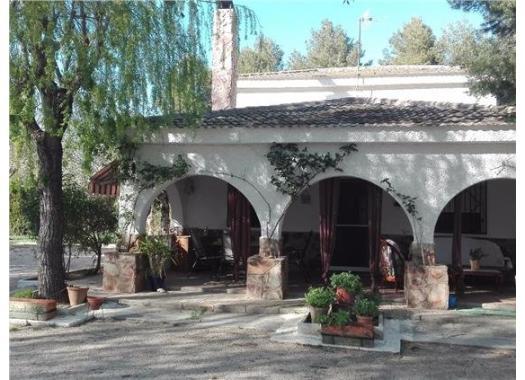 Chalet en alquiler en  Albacete