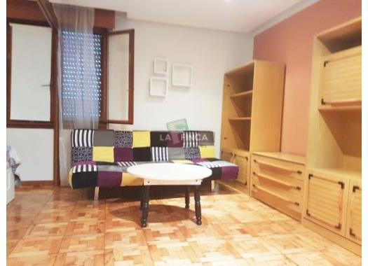 Estudio en alquiler en  Oviedo
