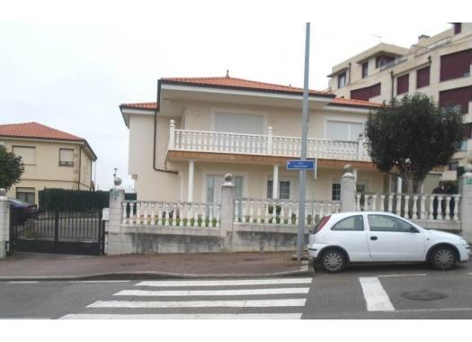 Chalet en alquiler en  Santander