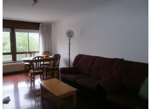 Piso en alquiler en  Pontevedra