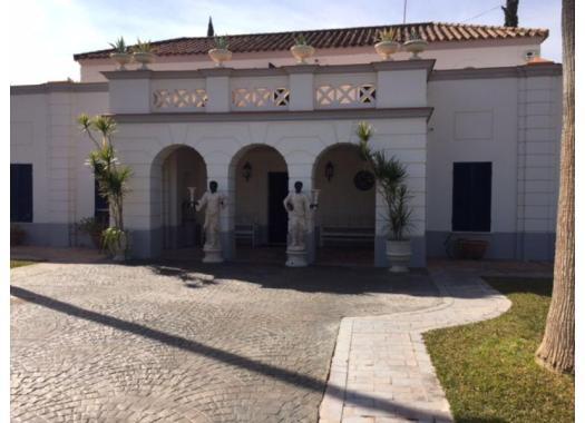 Chalet en alquiler en  Sevilla