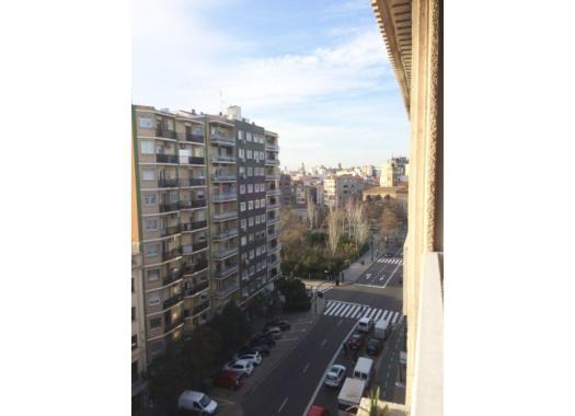 Piso en alquiler en  Zaragoza