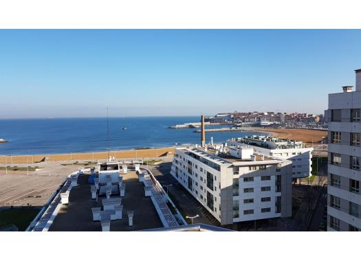 Ático en alquiler en  Gijón