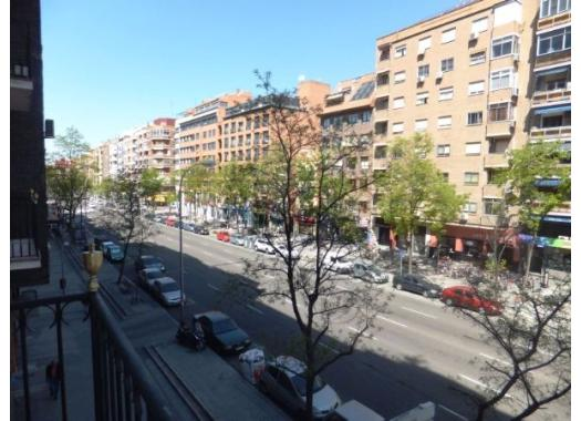 Piso en alquiler en madrid capital delicias for Alquiler piso delicias madrid