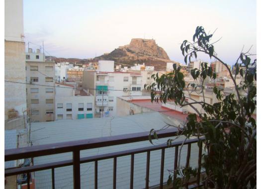 Ático en alquiler en  Alicante