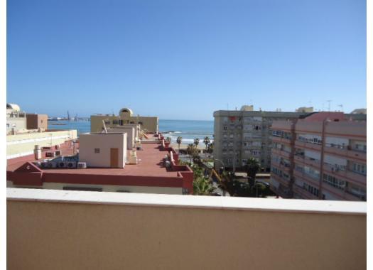 Ático en alquiler en  Melilla