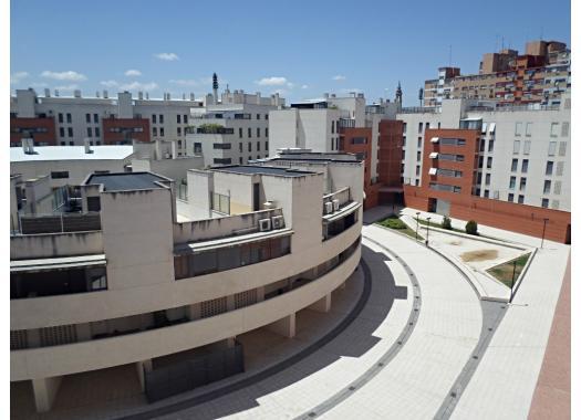 Ático en alquiler en  Zaragoza
