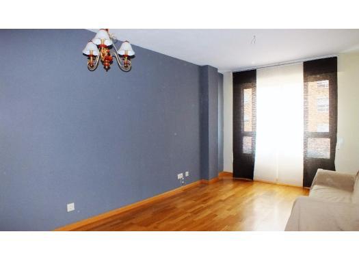 Piso en alquiler en madrid capital valdebernardo valderribas for Alquiler pisos valdezarza