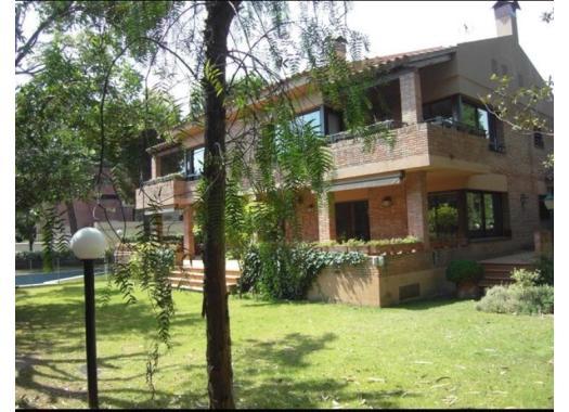 Casas de alquiler en barcelona for Casas con piscina barcelona alquiler
