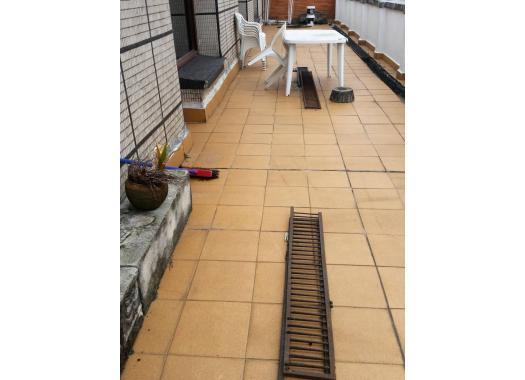 Piso en alquiler en bilbao ibarrekolanda for Chimenea fundicion pisos alquiler deusto