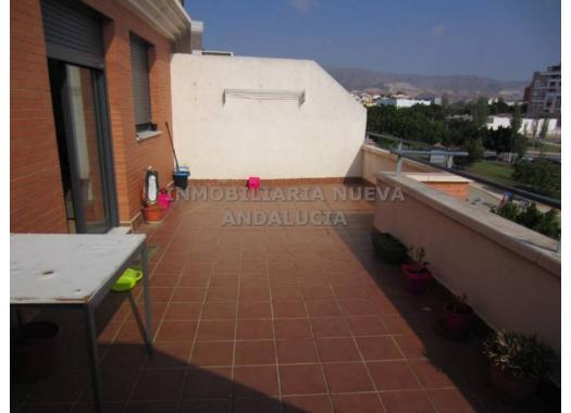 Ático en alquiler en  Almería