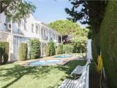 Casa adosada en venta en calle Camèlies, Vilafortuny-Cap de Sant Pere (Cambrils) por 105.000 €