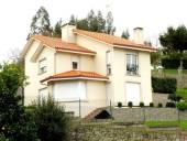 Casa en venta en Oleiros, Oleiros por 330.000 €