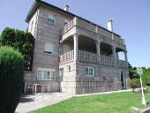 Casa en venta en Chalet Con Piscina en Zapateira, Cidade Vella-Atochas-Pescadería (A Coruña Capital) por 650.000 €