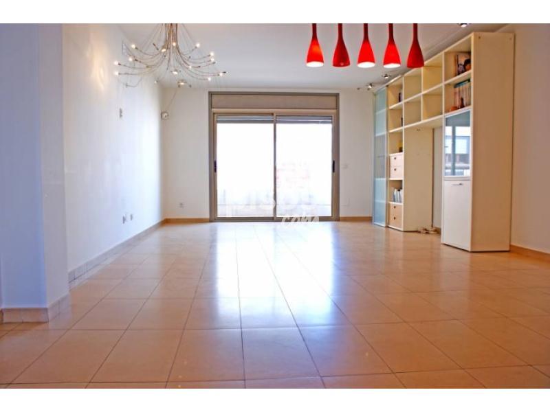 Piso en alquiler en centro en pla a dels patins por for Alquiler pisos por meses