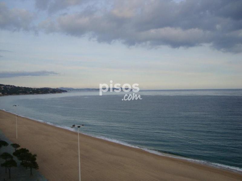 Apartamento en venta en delante de la playa en platja d 39 aro por - Pisos alquiler platja d aro ...
