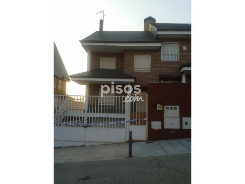 Chalet pareado en venta en calle begonia en moraleja de enmedio por - Casas en moraleja de enmedio ...