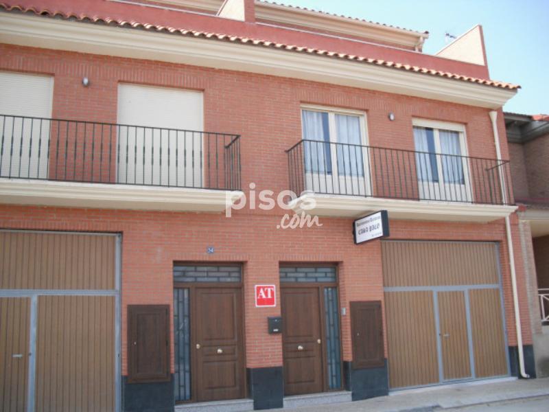 Pisos y habitaciones de alquiler en cenicero for Pisos en corella
