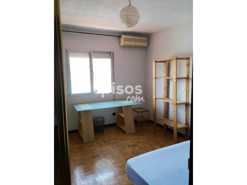 Pisos y habitaciones de alquiler en legan s for Pisos en zarzaquemada