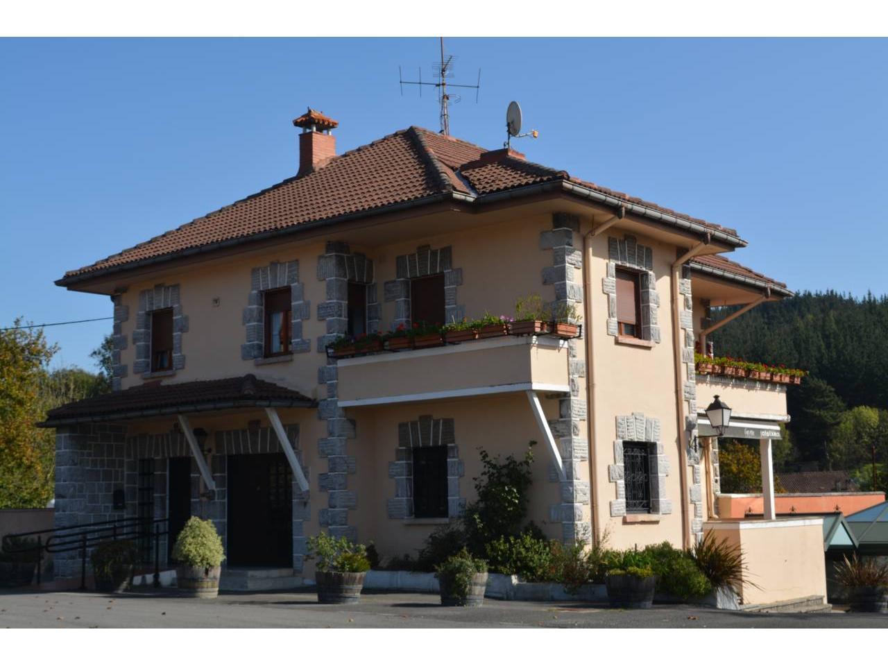 Inmobiliaria larrea local comercial en venta en - Inmobiliarias en amorebieta ...