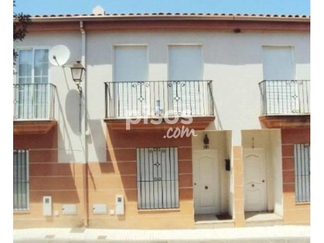 Casa adosada en venta en calle Clara Campoamor, nº 54