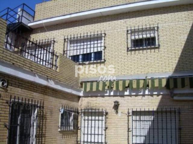 Casa en venta en El Porvenir, Tiro de Línea (Distrito Sur. Sevilla Capital) por 280.000 €