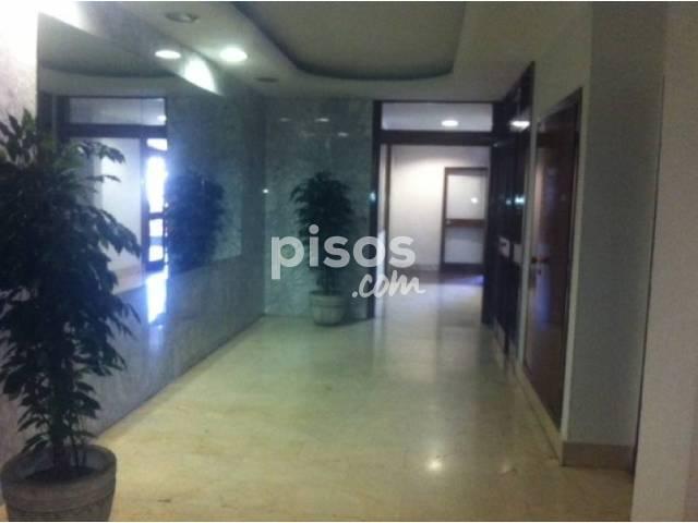 Oficina en alquiler en Asunción - Carrero Blanco, Los Remedios (Distrito Los Remedios. Sevilla Capital) por 450 €/mes