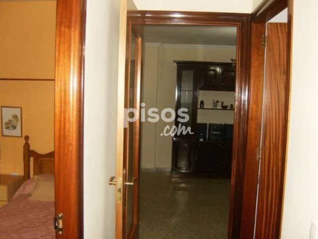Piso en alquiler en Centro - Doña Mercedes, Centro-Doña Mercedes (Distrito Dos Hermanas Ciudad. Dos Hermanas) por 400 €/mes