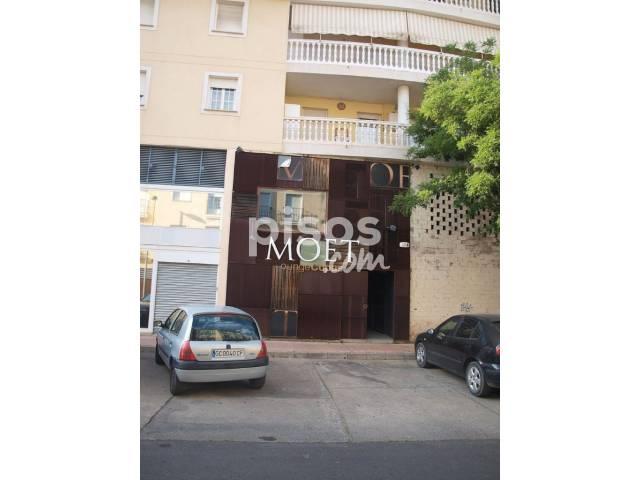 Local comercial en venta en calle Julio Cienfuegos Linares, nº 12