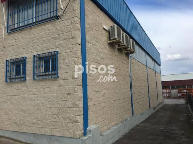 Nave comercial en venta en Polígono Industrial, Navas del Rey por 280.800 €