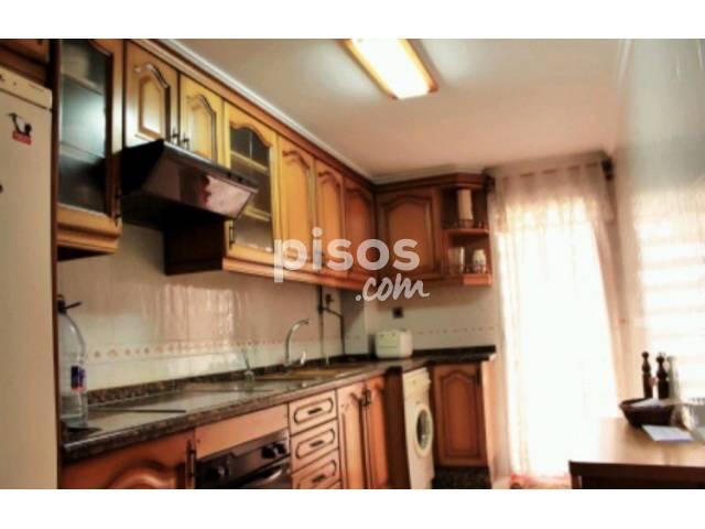 Piso en venta en Calle Alemany, Torrefiel (Distrito Rascanya. València Capital) por 49.000 €