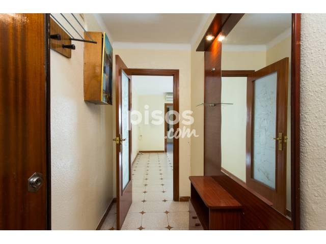 Piso en venta en Calle Mila I Fontanals, Centre-Can Mariner (Santa Coloma de Gramenet) por 120.000 €