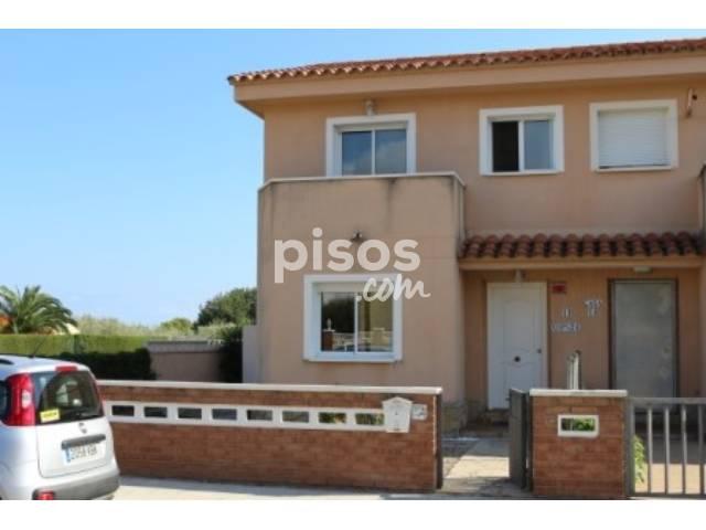 casa adosada en venta en calle xops en miami platja por 145.000 €