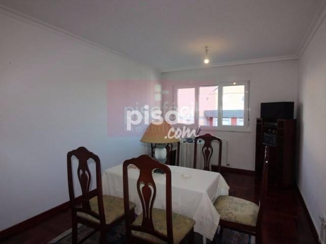 Piso en venta en Calle Santo Graal, A Piringalla-Albeiros-Garabolos (Lugo Capital) por 119.000 €