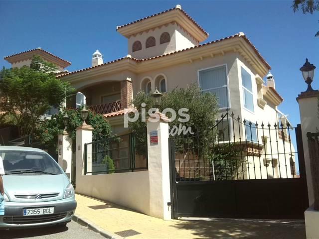 Chalet unifamiliar en alquiler en calle pintores n 4 en for Pisos alquiler mijas costa