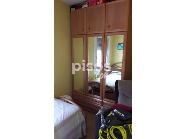 Habitación en alquiler en Calle Montagut, nº 19, Horta (Distrito Horta-Guinardó. Barcelona Capital) por 250 €/mes